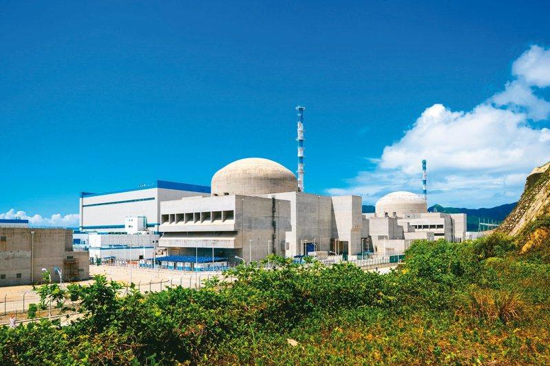 位在廣東江門的台山核電站被爆疑似出現洩漏事故。圖為側面望去兩台機組。圖/取自中廣核官網
