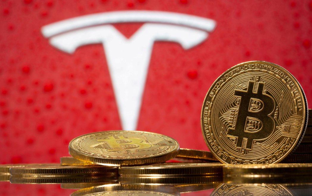 馬斯克表示,特斯拉願意有條件恢復接受以比特幣買車。(路透)