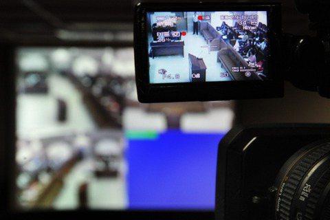 線上開庭的安全金鑰:「妨害司法公正罪」如何防止視訊審理問題?