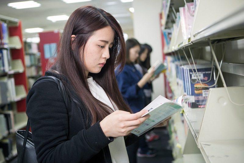 朝陽科大學術著作被高度引用,代表研究生的學位論文深具學術價值,廣受各界的重視與肯...