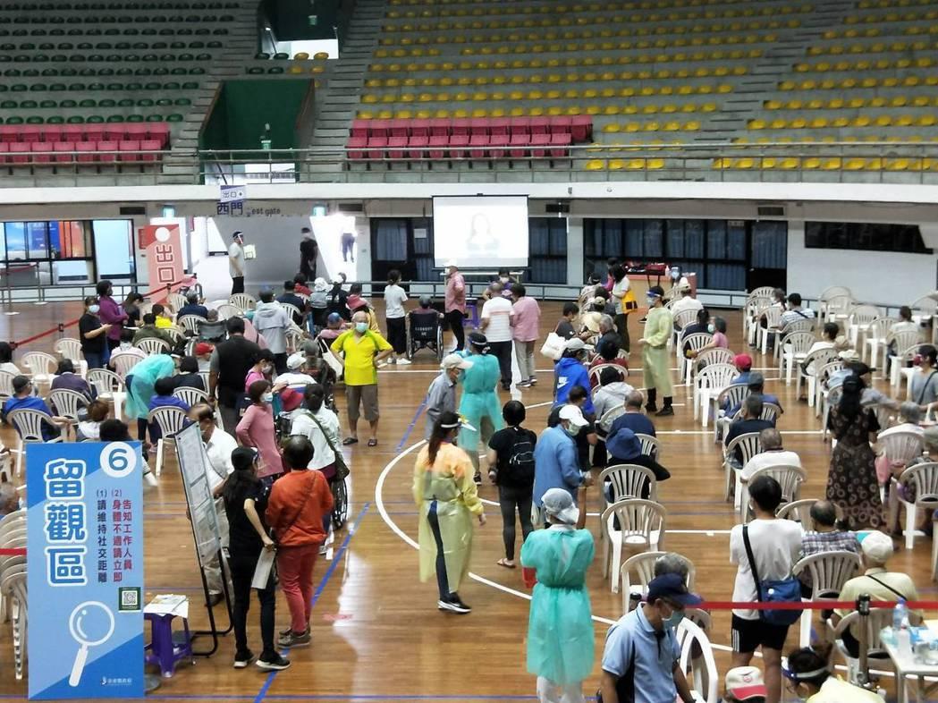 台東縣AZ疫苗今天預計打5千劑。記者施鴻基/攝影