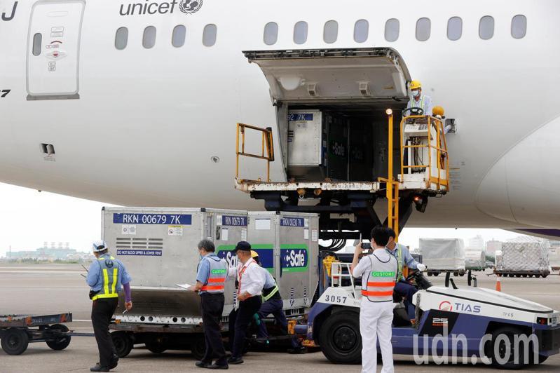 日本6月初捐贈台灣124萬劑AZ疫苗。本報資料照片,記者鄭超文/攝影