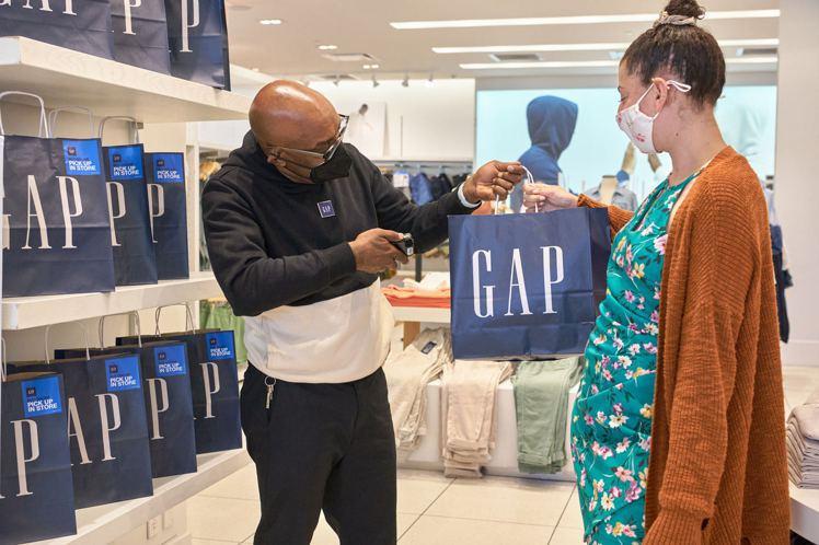 GAP集團在結束計算首季營收後傳來捷報,端出了銷售比2020年同期增加28%的好...