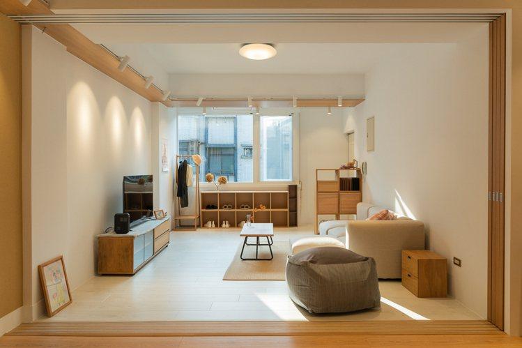 充滿溫暖光線的舊公寓。圖/MUJI無印良品提供
