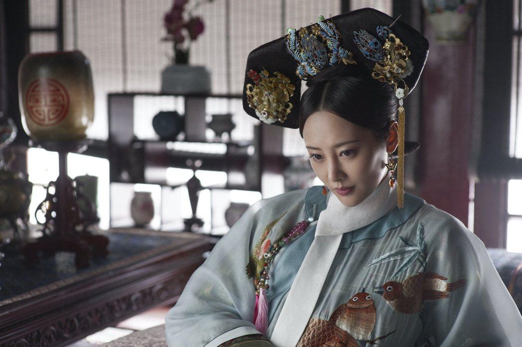 李純在「如懿傳」中飾演的「炩妃」,壞到骨子裡的狠毒,遭網友辱罵。圖/中天娛樂台提