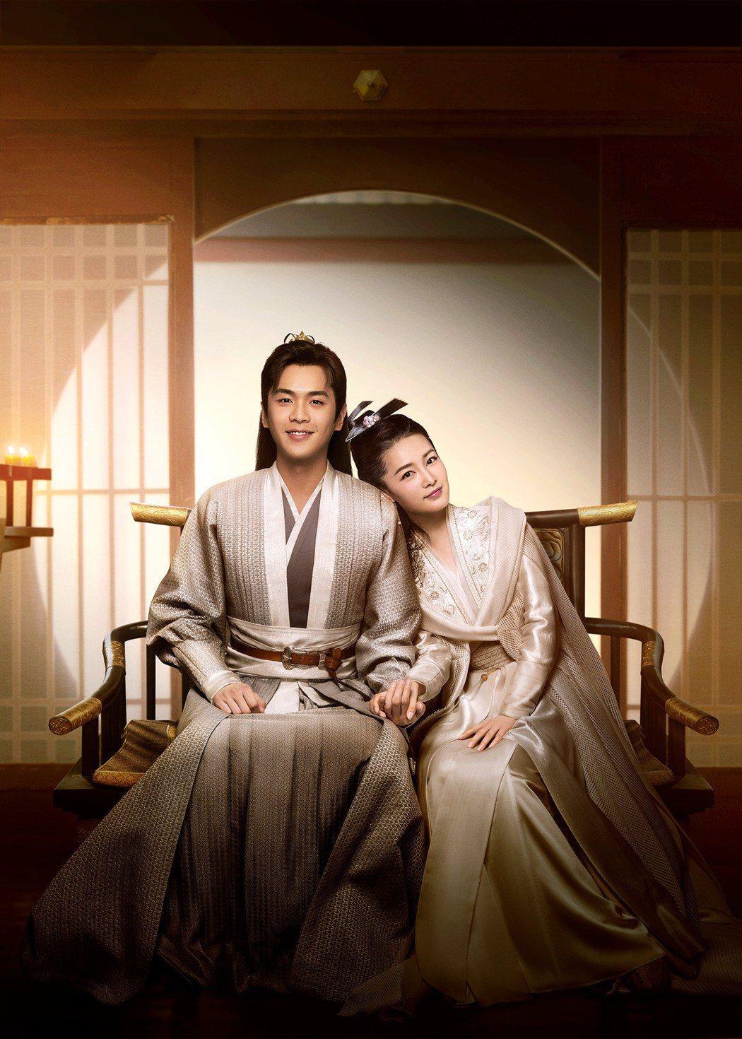 張若昀(左)、李沁主演「慶餘年」。圖/中天娛樂台提供