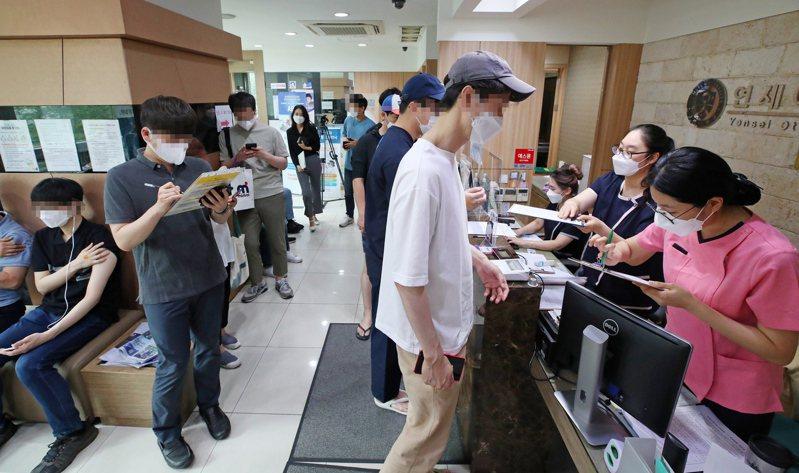 南韓公衛當局在15日表示,已提前達成6月底前超過1,300萬人接種疫苗的目標。歐新社