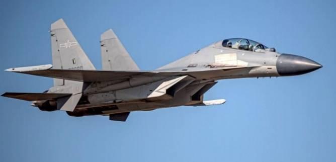 共機今天大舉出海,創下近年公開紀錄中進入我西南防空識別區最多數量紀錄!圖為殲16戰機。圖/空軍司令部