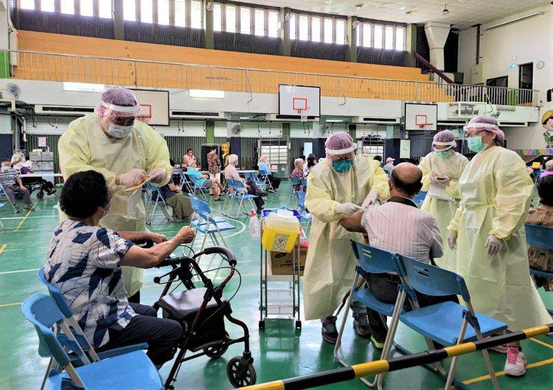 台中市今天的疫苗接種情況良好,共施打2萬4427劑。圖/民眾提供