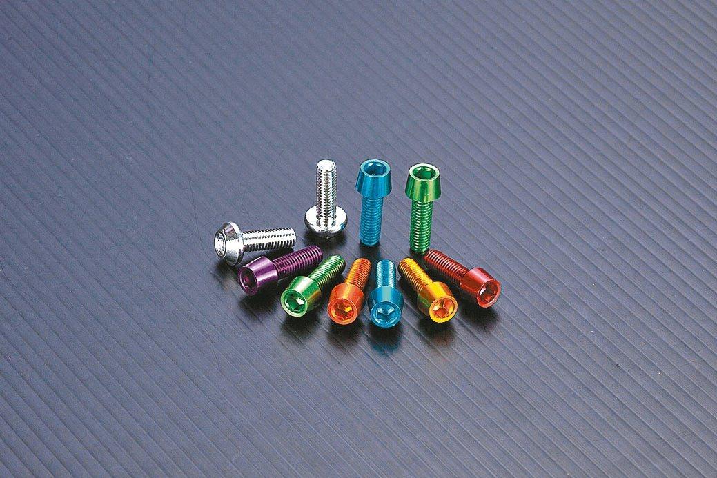 捷領專業生產各式螺絲及六角板手。捷領螺絲/提供