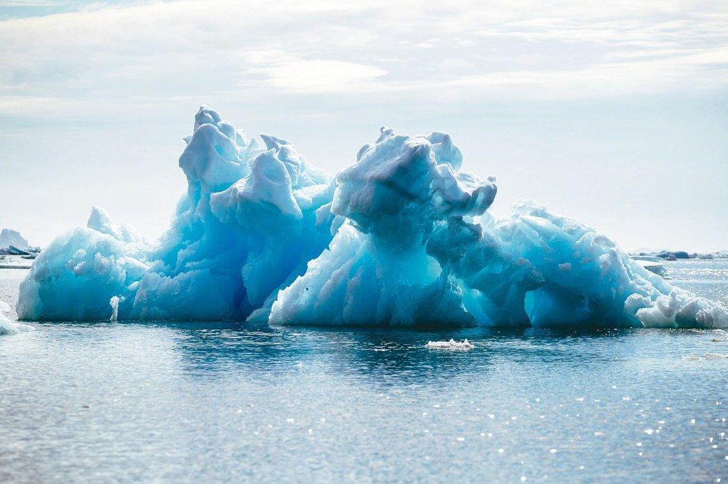 過去幾年北極區升溫,海冰消融狀況愈來愈嚴重。(路透)