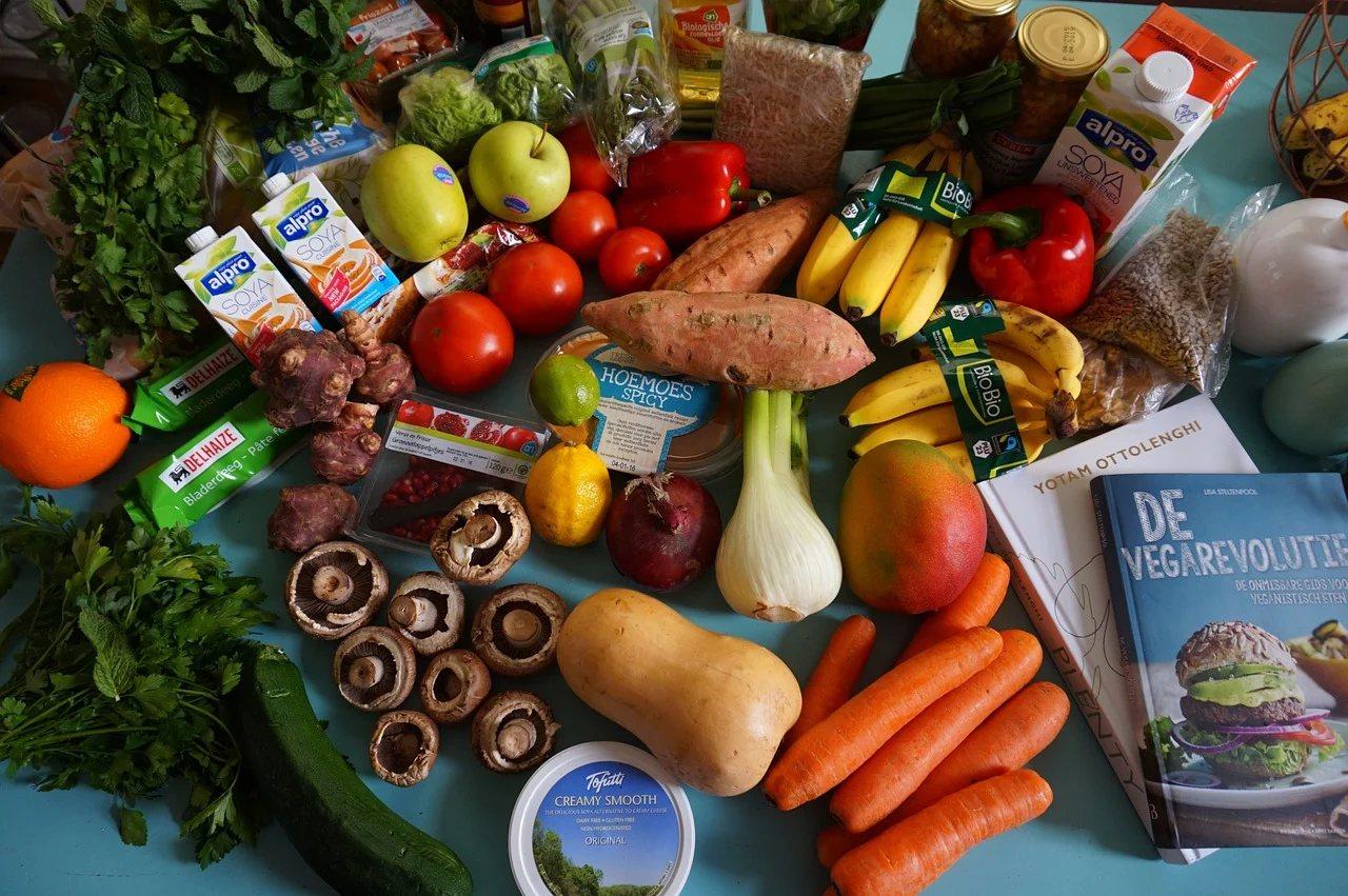 蔬菜存在天然酵素,而這些酵素在冷凍或冷藏的過程中仍然會持續作用,導致營養流失與色...