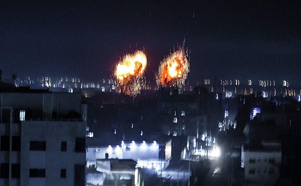 6月16日清晨,以色列再度轟炸加薩。甫上台48小時的新任總理貝內特(Naftal...