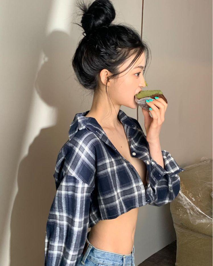 韓國女團DIA老么順伊。圖/擷自IG