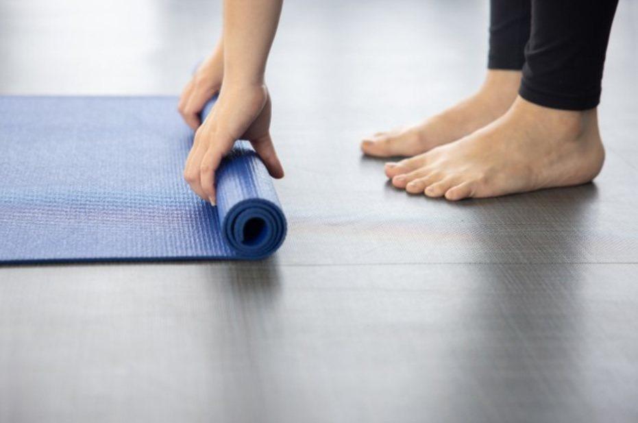 瑜伽伸展操,改善你緊繃的情緒,拯救失控的自律神經。 圖/freepik