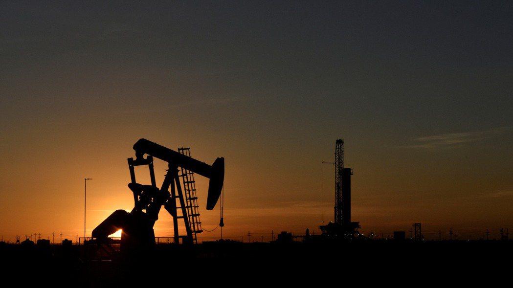 國際油價上漲。路透