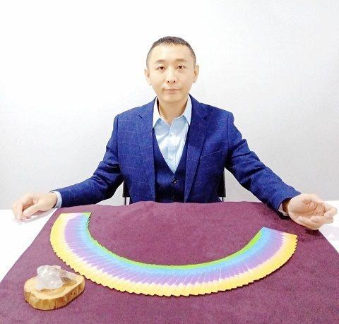 催眠師陳寬泰走身心靈多年,協助他人回歸自己。 陳寬泰/提供