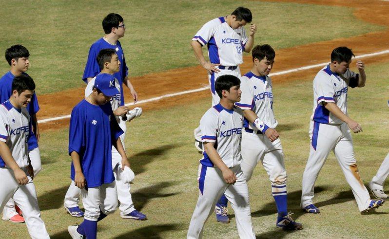 韓國奧運棒球代表隊今天公布24人名單,國家隊常客秋信守、吳昇桓並沒有入選,教頭金卿文解釋原因。 聯合報系資料照