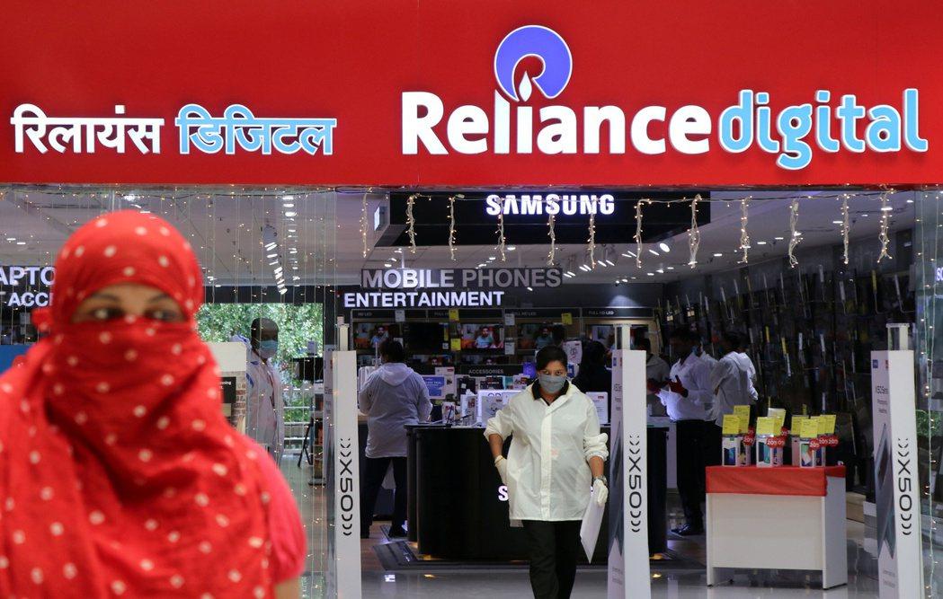 印度首富安巴尼的信實集團(Reliance)經營的電子產品商店。  路透