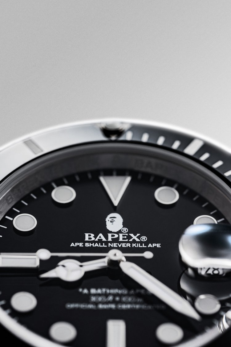 TYPE 1 BAPEX®系列腕表,除了12點鐘方向的猿人Logo,6點鐘方向的...