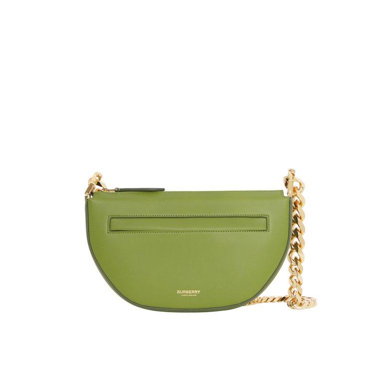 沼澤綠色迷你金鍊Olympia包,55,000元。圖/BURBERRY提供