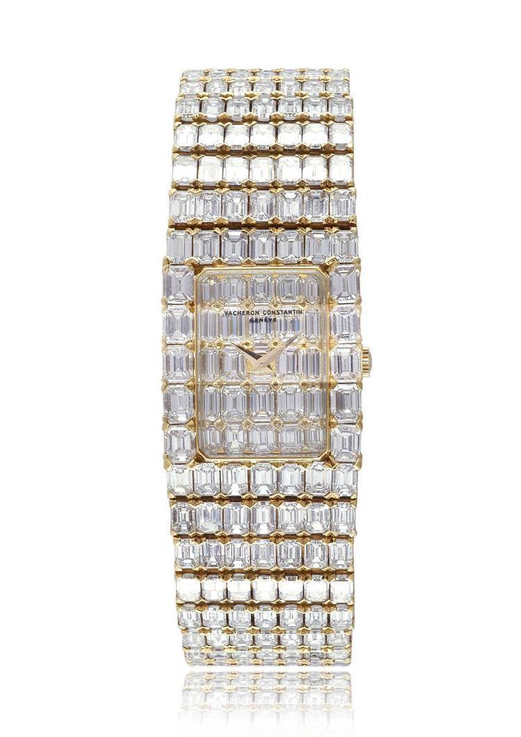 好萊塢巨星伊麗莎白泰勒所曾配戴的一只全鑲鑽時計,艷光四射。圖 / 江詩丹頓提供。