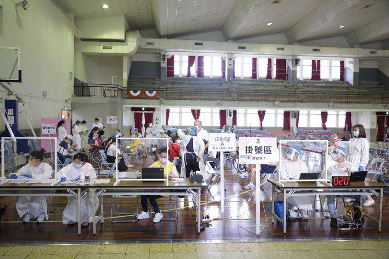 台中市90歲老人家注射疫苗後猝死,死因還在釐清。圖/報系照片
