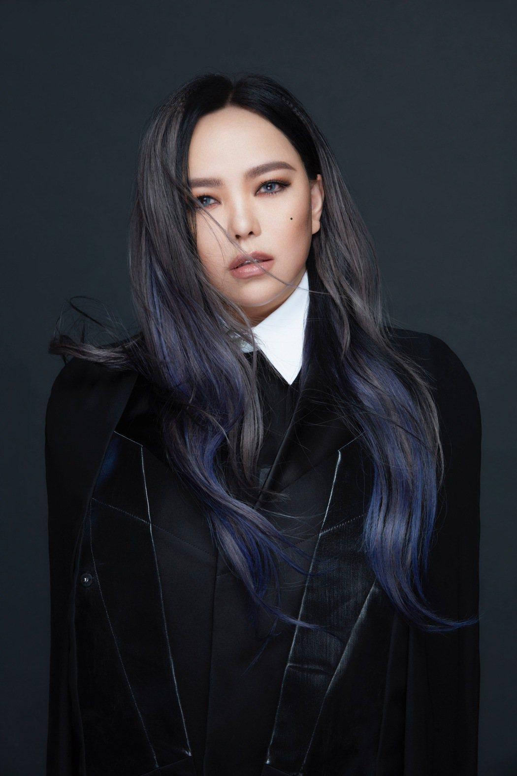 張惠妹的單曲「緩緩」成為EQUAL歌單的首推歌曲。圖/EMI提供