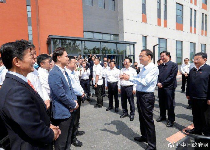 大陸總理李克強16日在吉林長春考察中韓(長春)國際合作示範區。中國政府網