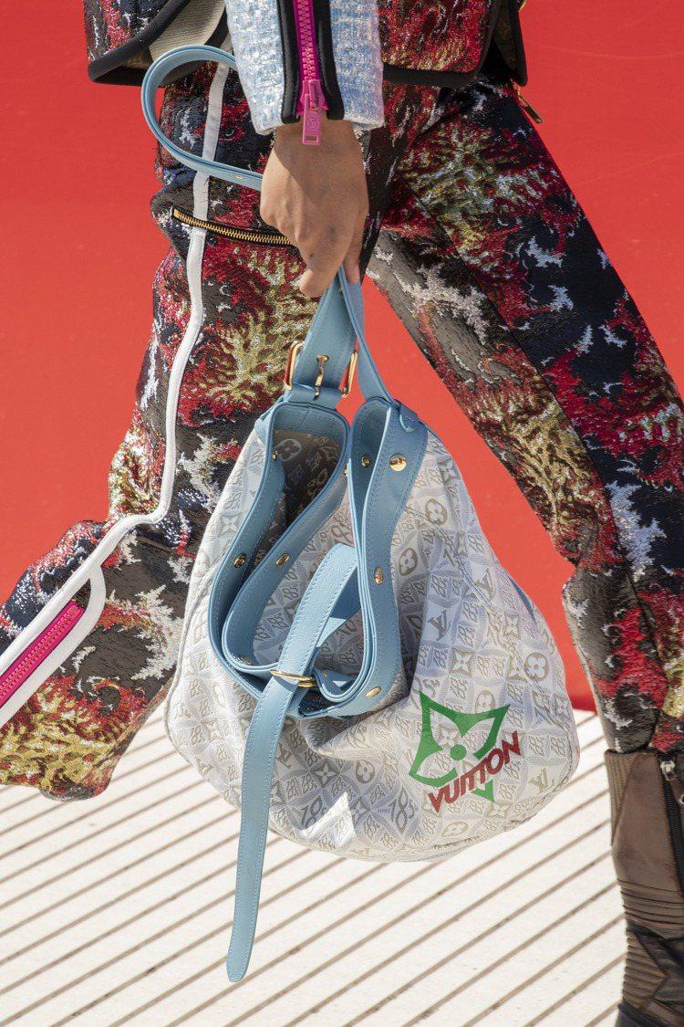 手提包運用1854緹花的新色彩打造而成。圖/LV提供