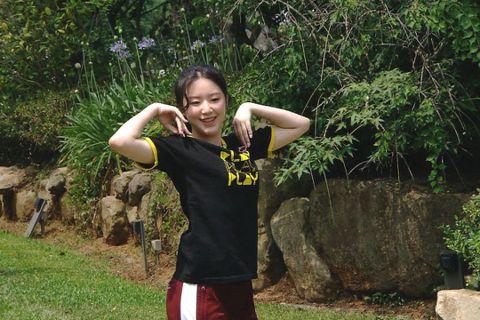 2018年出道於韓國人氣團體(G)I-DLE的台灣女孩葉舒華,近期回台後將唯一的電視節目通告獻給中視、三立「綜藝玩很大」,節目在5日、12日分成上、下兩集播出,在電視與網路的收視成績表現亮眼,特別是...