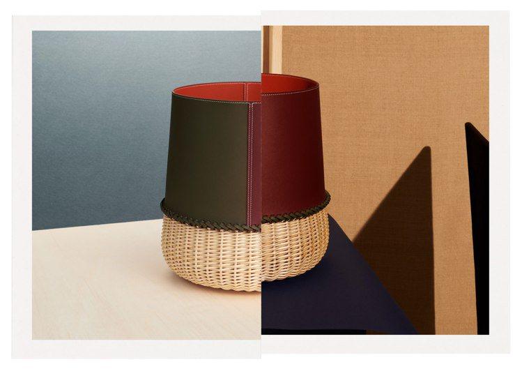 用皮革和柳條製成,皮具組合編織呈現的籃子,也為居家日常小物增添藝術感。圖/愛馬仕...