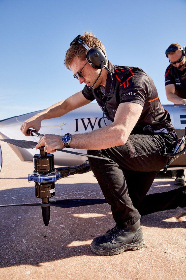 Airspeeder是全世界首個電動飛行賽車,並希望以潔淨空氣電動車解決方案,創...