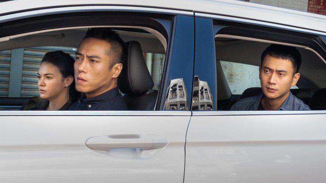 張榕容(左起)、莊凱勛、劉冠廷主演「第三佈局  塵沙惑」。圖/CATCHPLAY