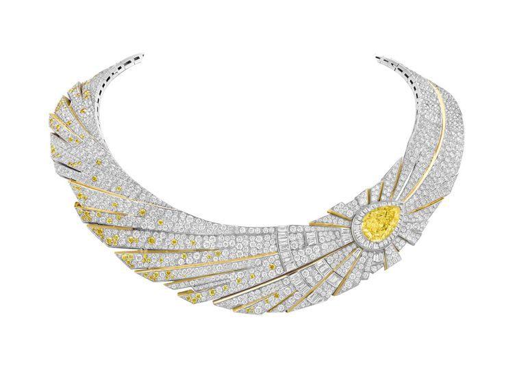 Halley鑲嵌可互換式圖騰的項鍊和戒指,白K金與黃K金鑲嵌一顆重11.29克拉...