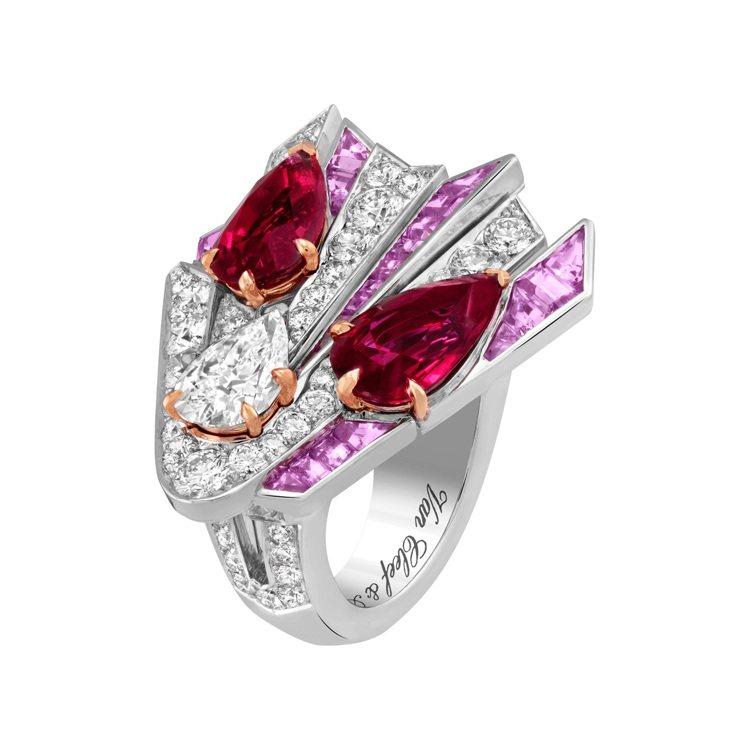 Donati戒指,白K金與玫瑰金鑲嵌兩顆各重3.11和3.07克拉的梨形莫桑比克...