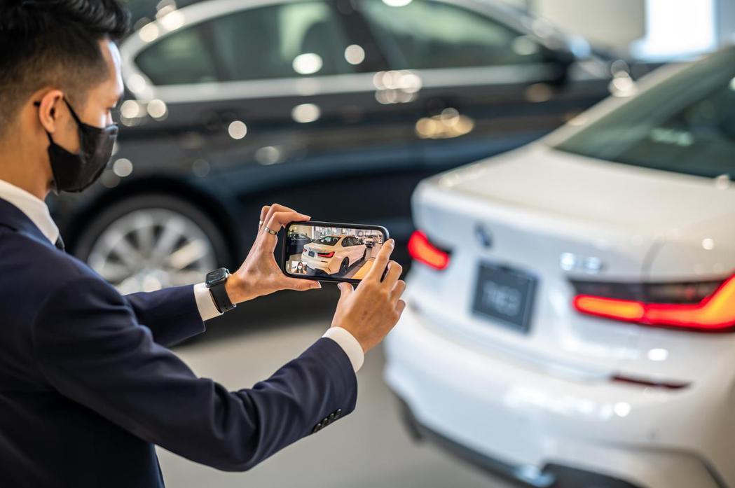 於BMW官方網站留下聯絡資訊,專業顧問將立即與您聯繫,透過電話或視訊的方式提供消...