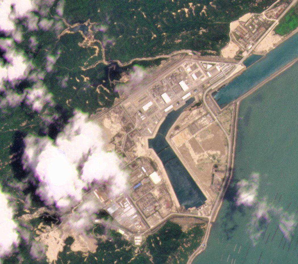 由行星實驗室提供的台山核電廠衛星照片,攝於5月8日。 圖/美聯社