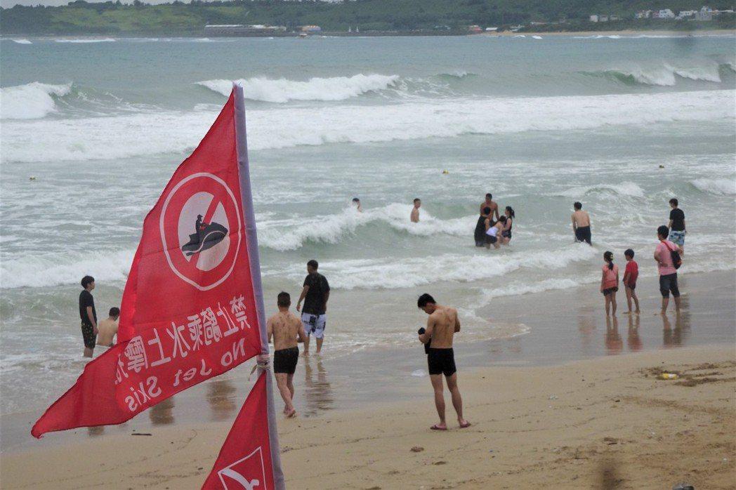 今年夏天,很有可能是台灣有史以來溺水人數最少的一年。即便是在這樣的情況下,我們還是必須未雨綢繆,瞭解阻止溺水發生最重要的關鍵:防溺教育。 圖/聯合報系資料照