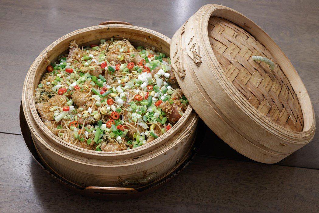「粉蒸豆腐」是朱全斌外婆傳下的家宴菜。記者李政龍/攝影