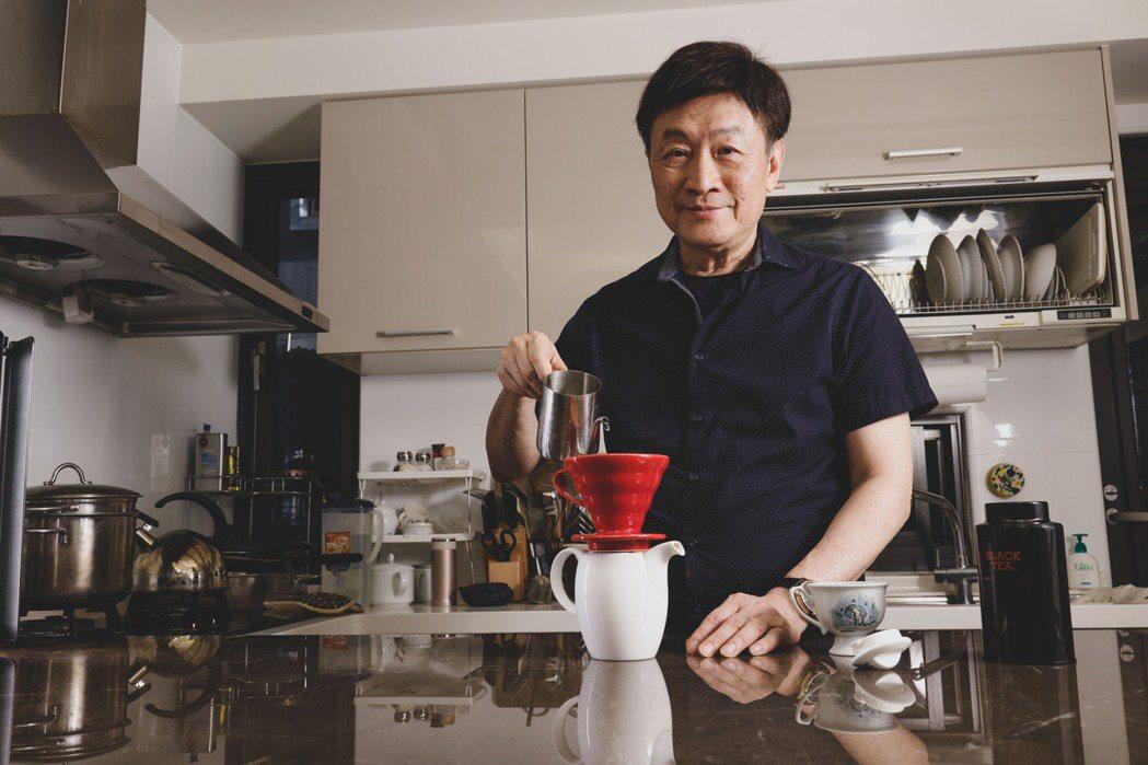 朱全斌閒暇時也會為自己手沖咖啡,慢慢享用。記者李政龍/攝影