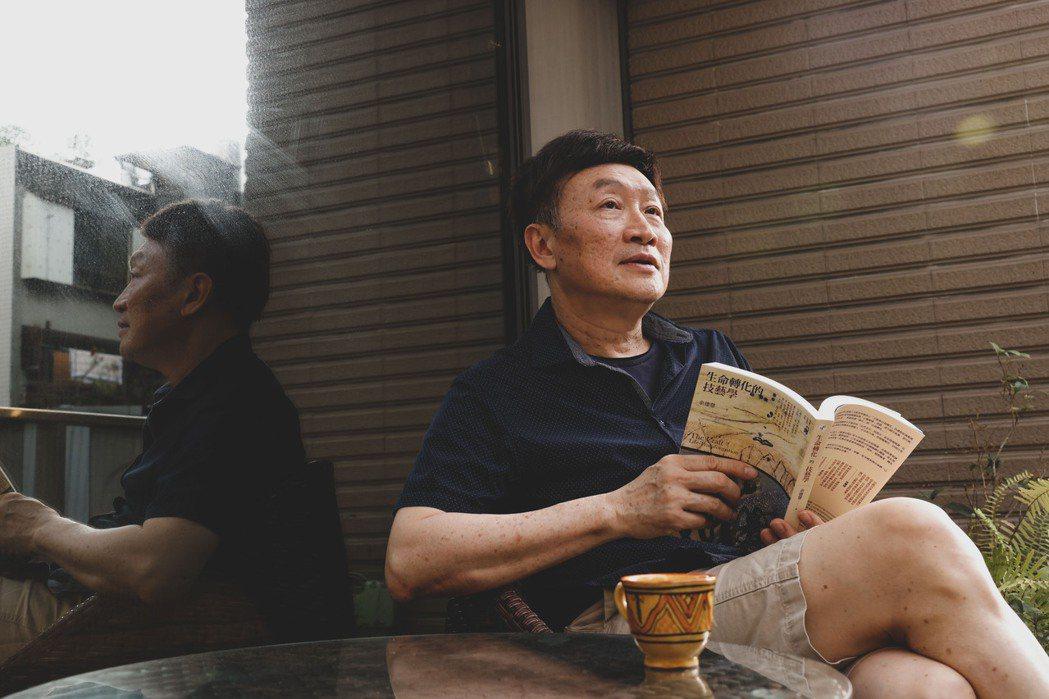 每天只做喜歡的事,是朱全斌退休後的生活宗旨。記者李政龍/攝影