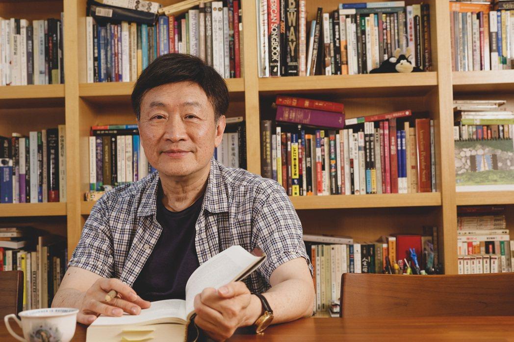 朱全斌透過寫作,抒發對妻子的懷念,也為自己的飲食經歷留下紀錄。記者李政龍/攝影