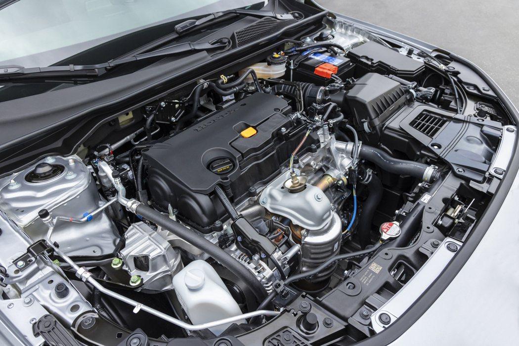 2.0升DOHC i-VTEC自然進氣引擎,有158hp/19kg-m的輸出動力...