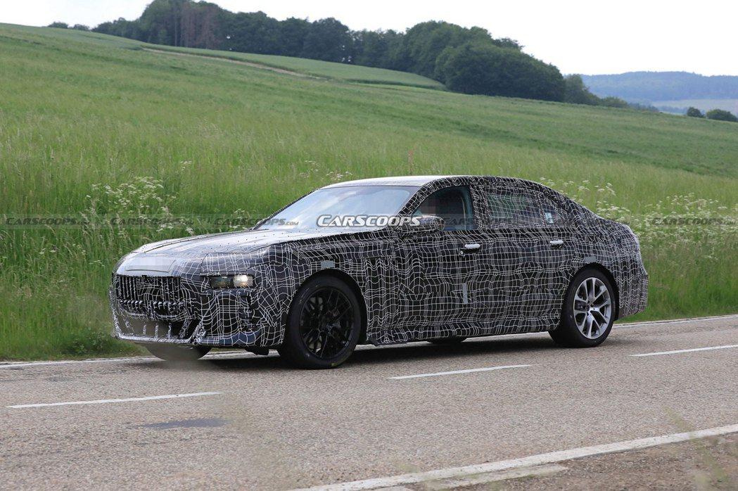 大改款BMW 7 Series將會在今年九月的慕尼黑車展中先以Concept版本...