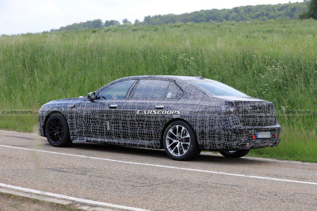 大改款BMW 7 Series將採用全新開發的底盤平台,並且還會推出純電版i7。...