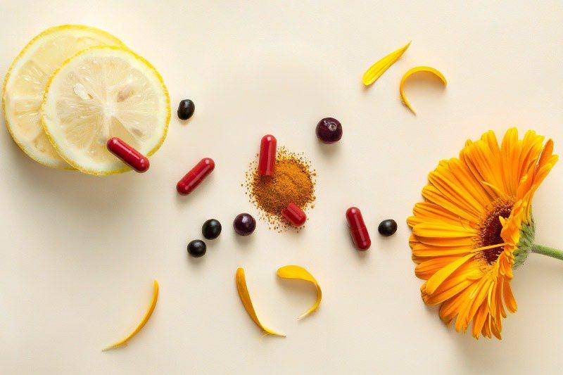 葉黃素在人體是無法自行合成,可以從飲食中攝取,生活中如果常吃外食而攝取不足,或是...
