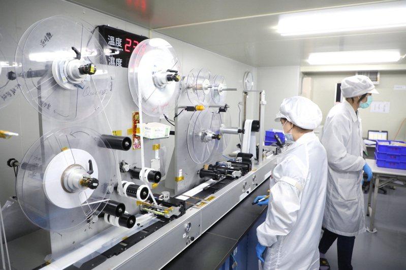 泰博科技快篩試劑製作及生產情形。(新北市府提供)中央社