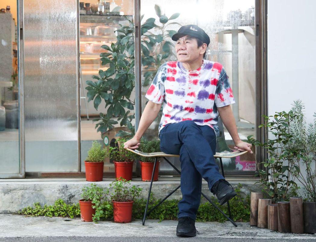 金曲歌王趙傳推出新專輯「老不休」,象徵音樂事業和人生永不停歇,他透露平時為鍛鍊身