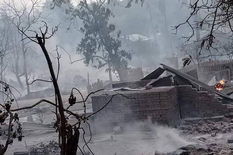 社群平台周三流傳出中部馬圭省村莊「Kinma」被燒毀的圖像和影片,該村莊大部分地...
